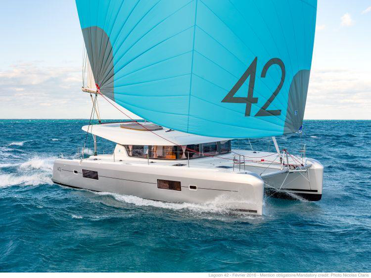 Lagoon 42 - 4 + 2 cab. (BLUE STEEL (generator, air condition, water maker))  - 2