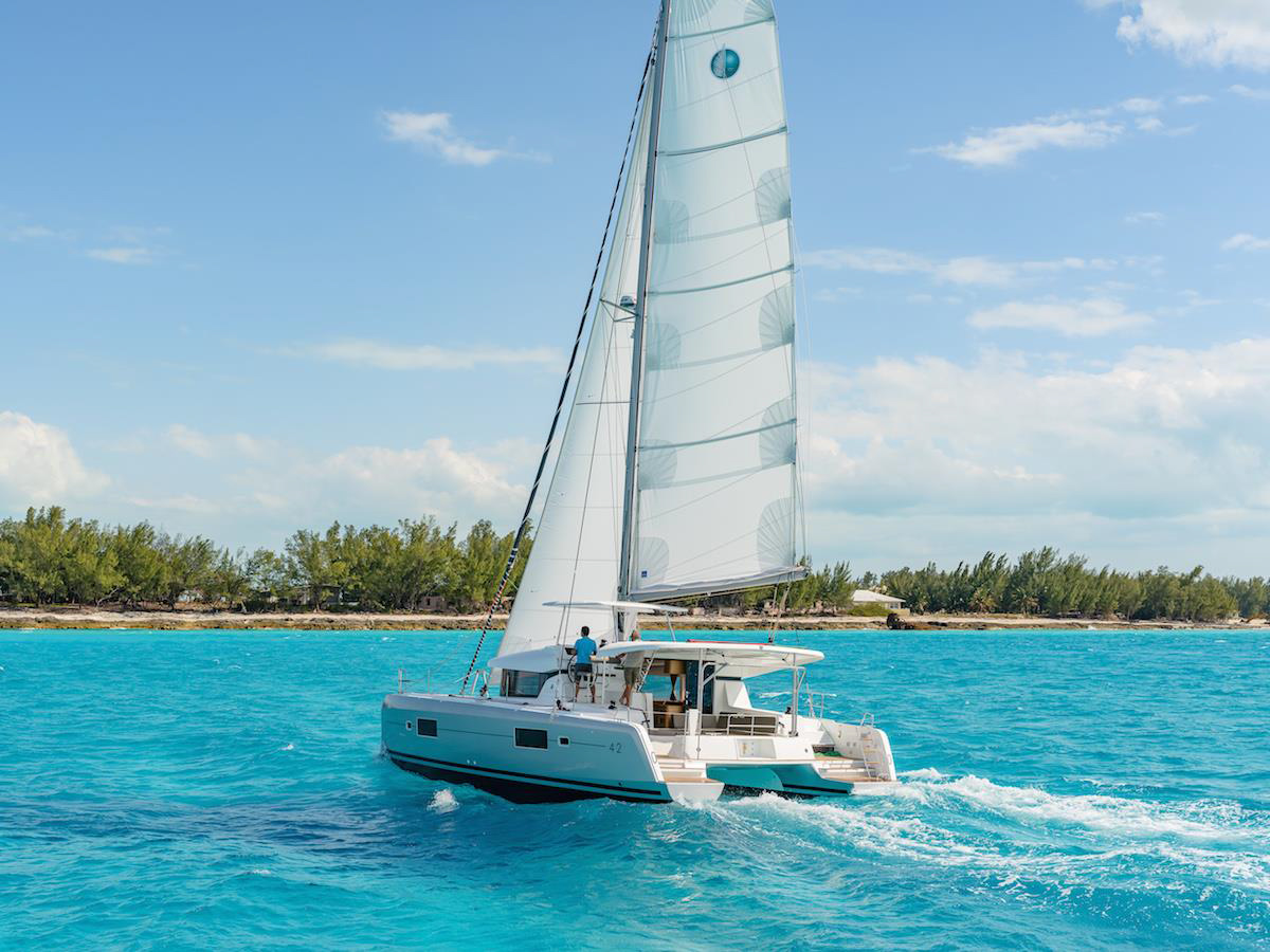 Lagoon 42 - 4 + 2 cab. (BLUE STEEL (generator, air condition, water maker))  - 3