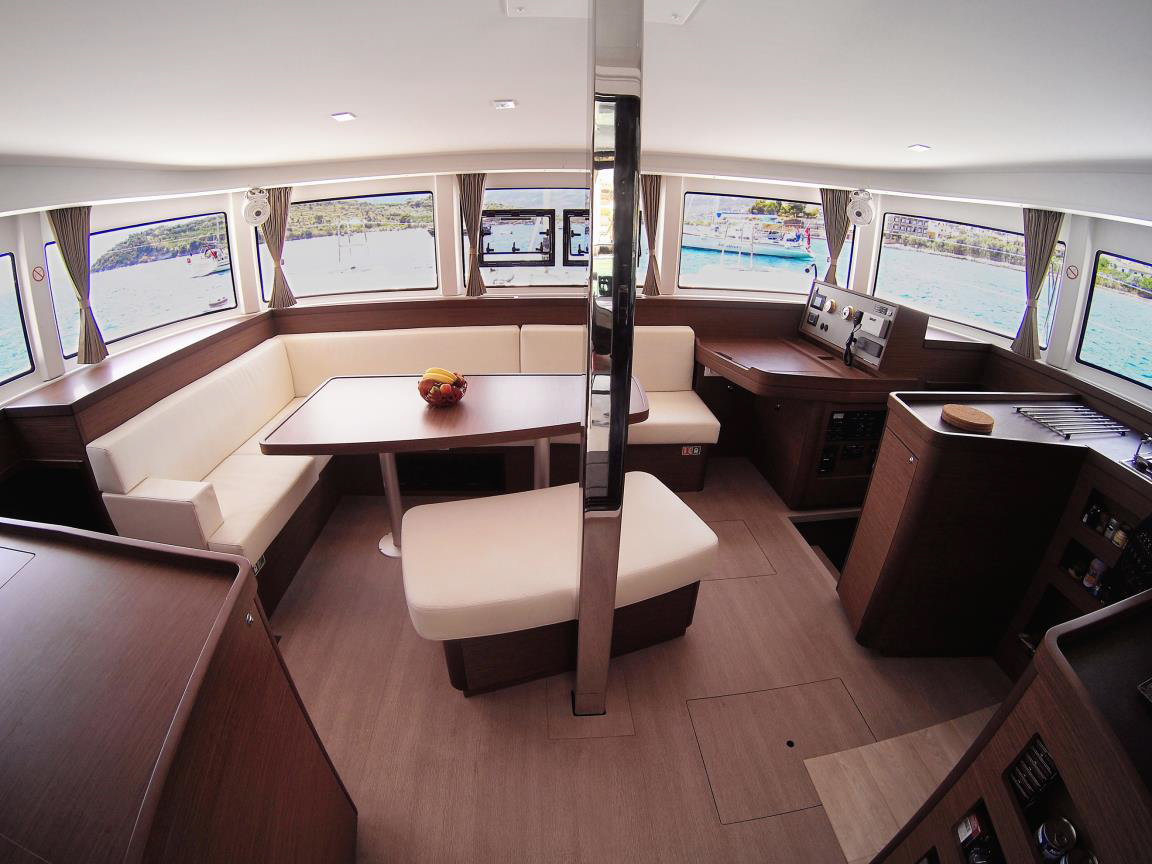 Lagoon 42 - 4 + 2 cab. (BLUE STEEL (generator, air condition, water maker))  - 7