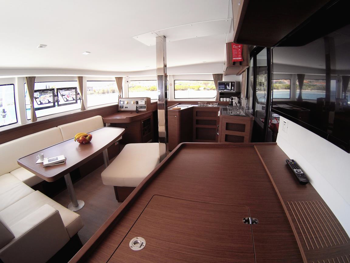 Lagoon 42 - 4 + 2 cab. (BLUE STEEL (generator, air condition, water maker))  - 8