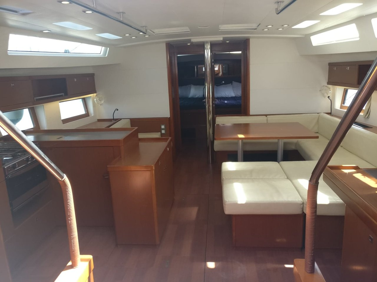 Oceanis 55 - 5 + 1 cab. (LUCKY TRADER (generator, air condition))  - 7