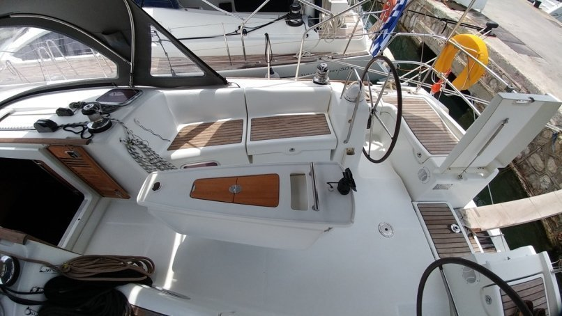 Oceanis 43 (Beluga)  - 8