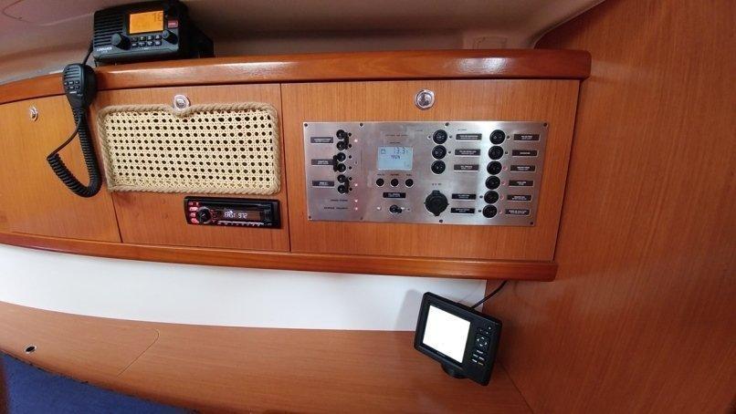 Oceanis 43 (Beluga)  - 15