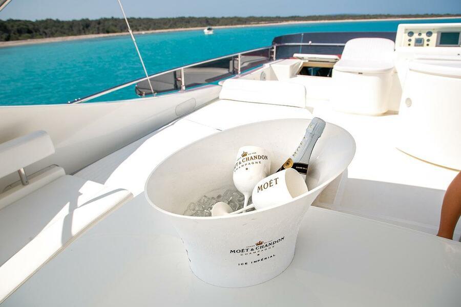 Ferretti Yachts 590 (Rogue)  - 13