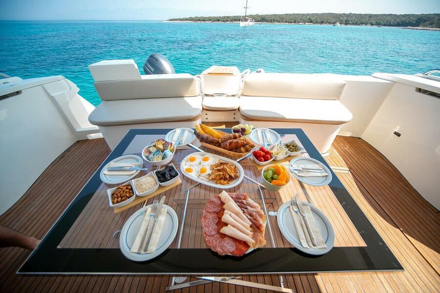 Ferretti Yachts 590 (Rogue)  - 14