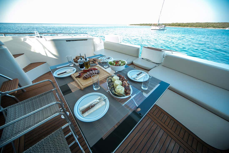Ferretti Yachts 590 (Rogue)  - 17