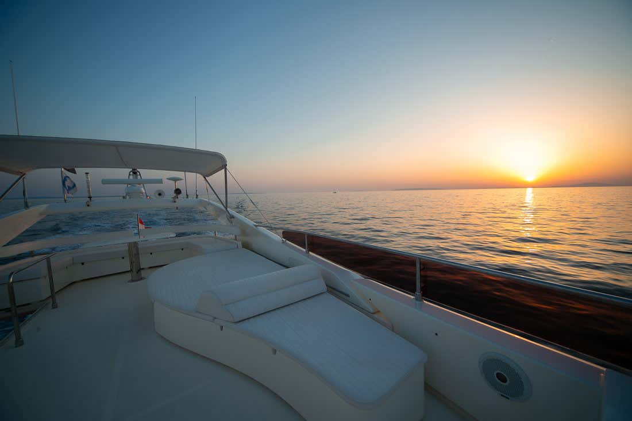 Ferretti Yachts 590 (Rogue)  - 19