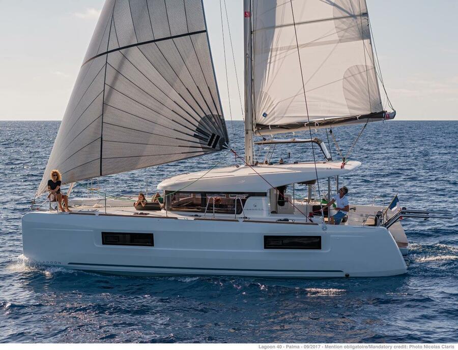 Lagoon 40 - 4 + 2 cab  (Sail Castor)  - 5