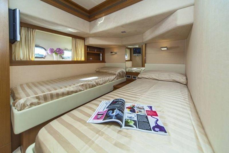 Ferretti Yachts 780 HT (Orlando L)  - 11