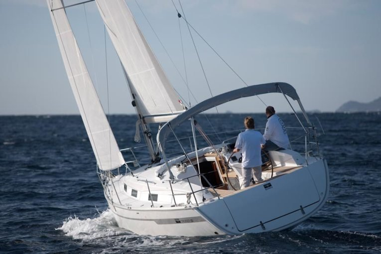 Bavaria Cruiser 32 (Lucky Point)  - 3