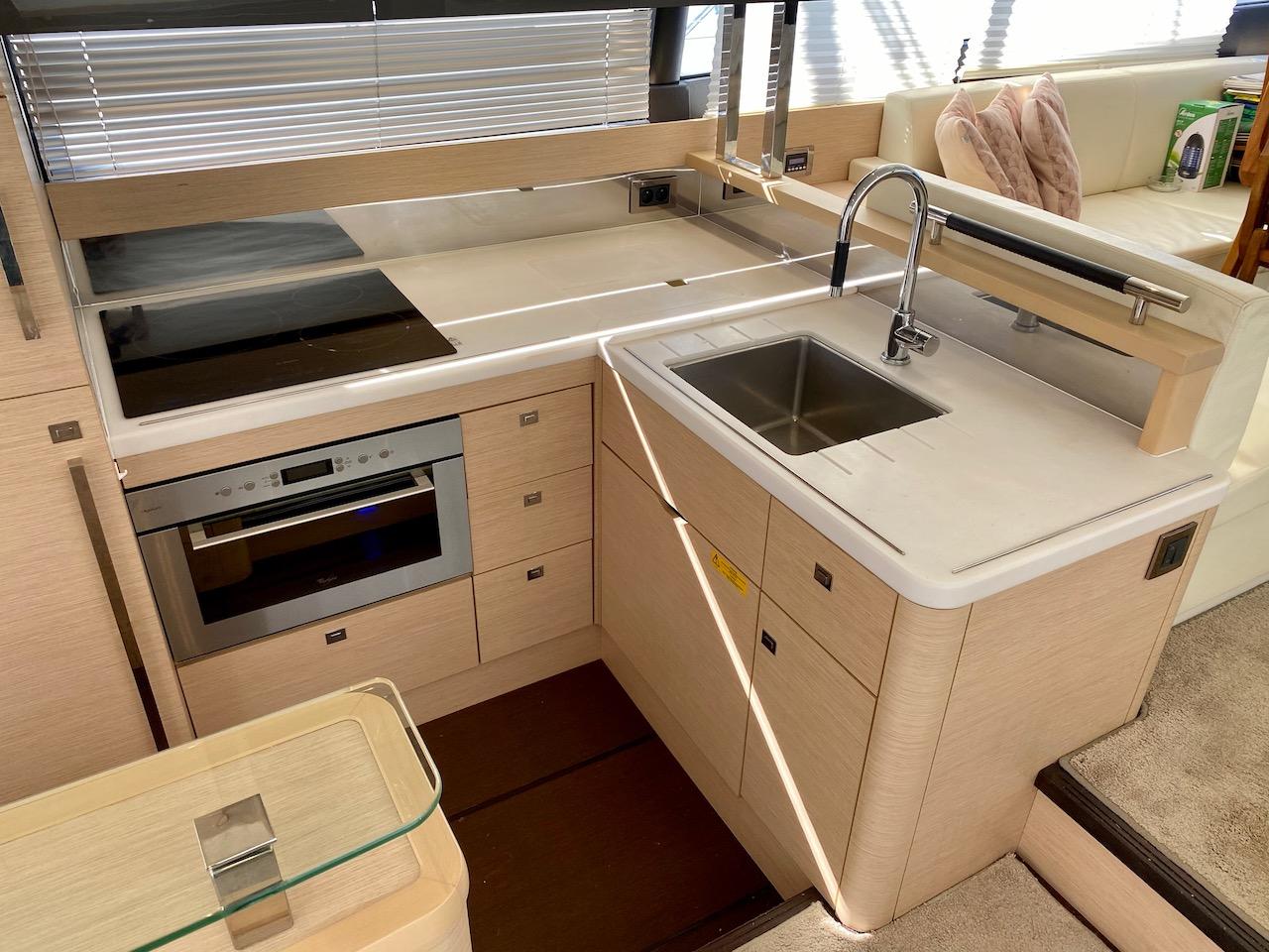 Prestige 550S Flybridge (Floria)  - 15