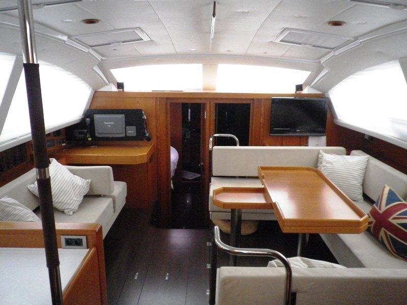 Wauquiez Pilot Saloon 55 OW (ADIQELL)  - 2