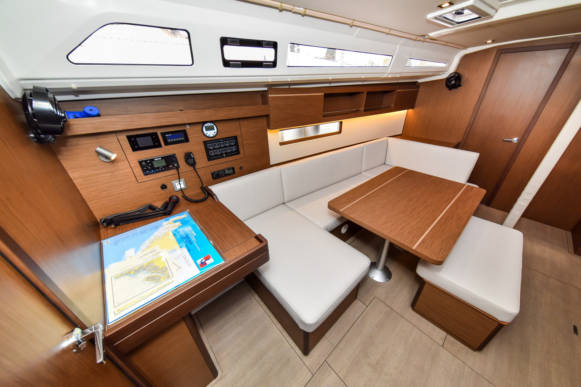 Oceanis 40.1 - 3 cab. (Eylin with A/C and generator)  - 20