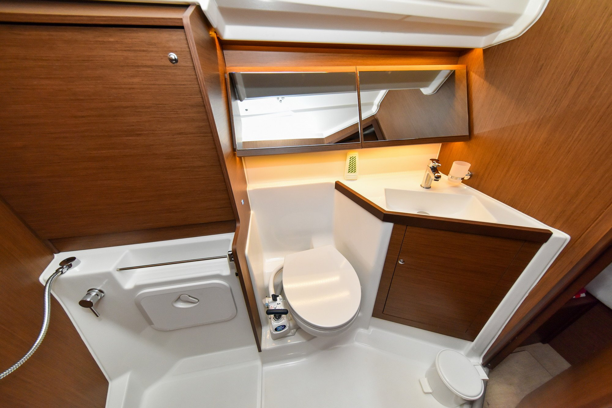 Oceanis 40.1 - 3 cab. (Eylin with A/C and generator)  - 29