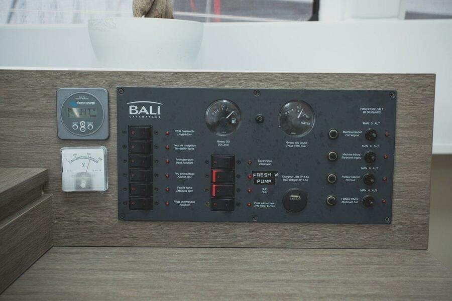Bali 4.0 - 4 + 2 cab. (Beluga)  - 18