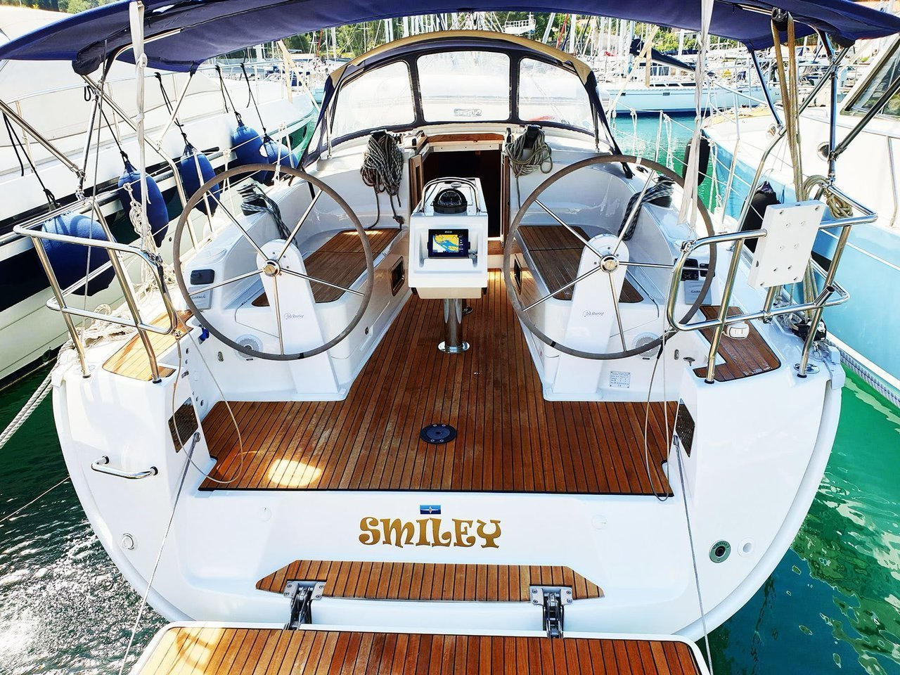 Bavaria Cruiser 37 - 3 cab. (Smiley (WITH AC))  - 4