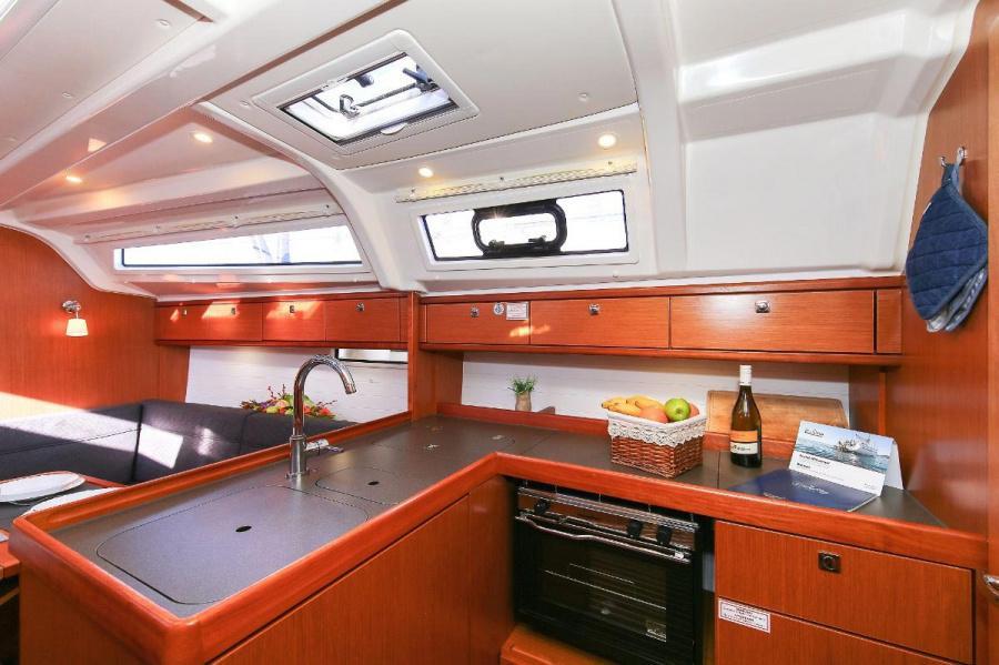 Bavaria Cruiser 37 - 3 cab. (Bella Angelina)  - 13