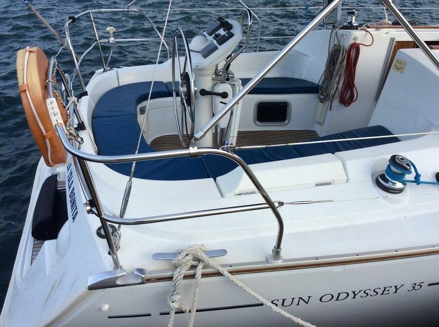 Sun Odyssey 35 (La Isla Bonita)  - 2