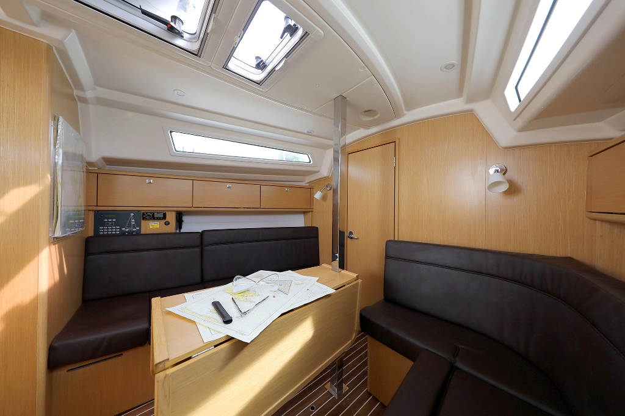 Bavaria Cruiser 34 (ARIZONA)  - 10
