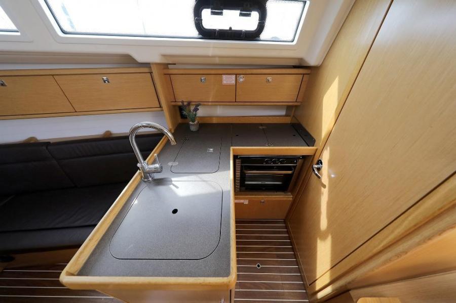 Bavaria Cruiser 34 (ARIZONA)  - 11