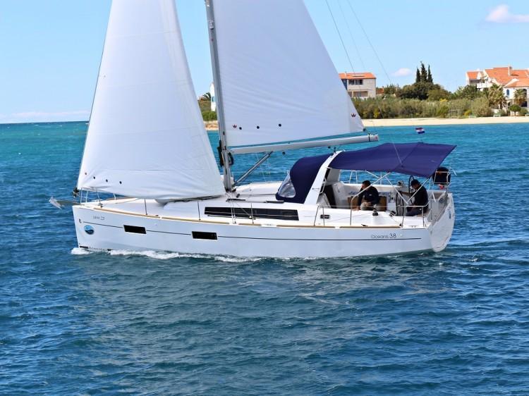 Oceanis 38.1 (Sailor Mercury)  - 2