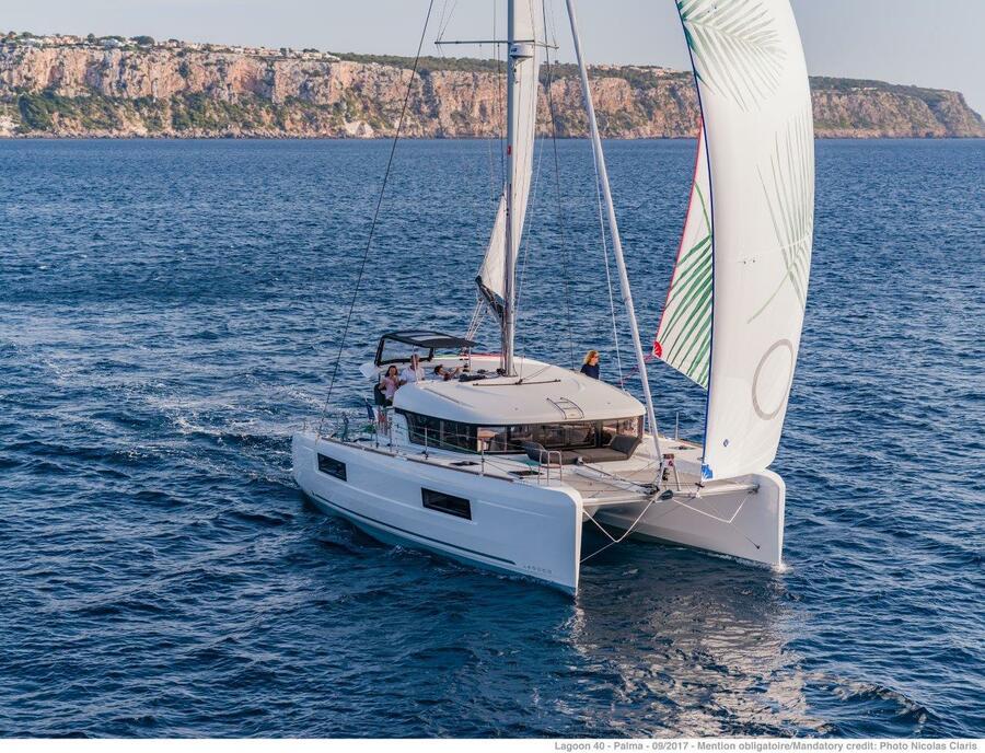 Lagoon 40 - 4 + 2 cab  (Hayra )  - 6