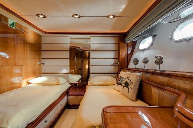 Sunseeker Yacht 105 (Baby)  - 11