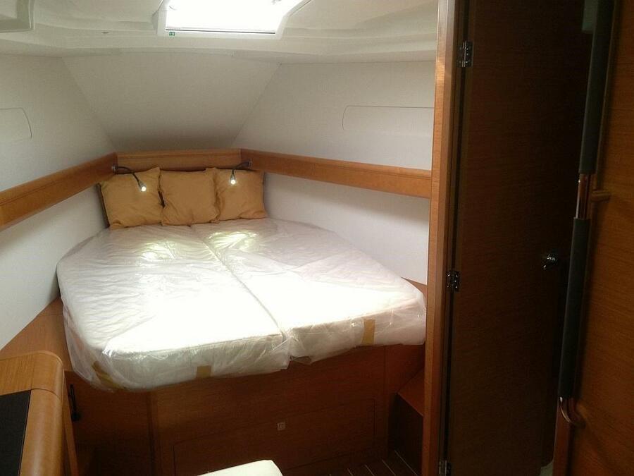 Sun Odyssey - DOUBLE CABIN (Sailing school - double cabin)  - 0