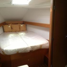 Sailing school - double cabin