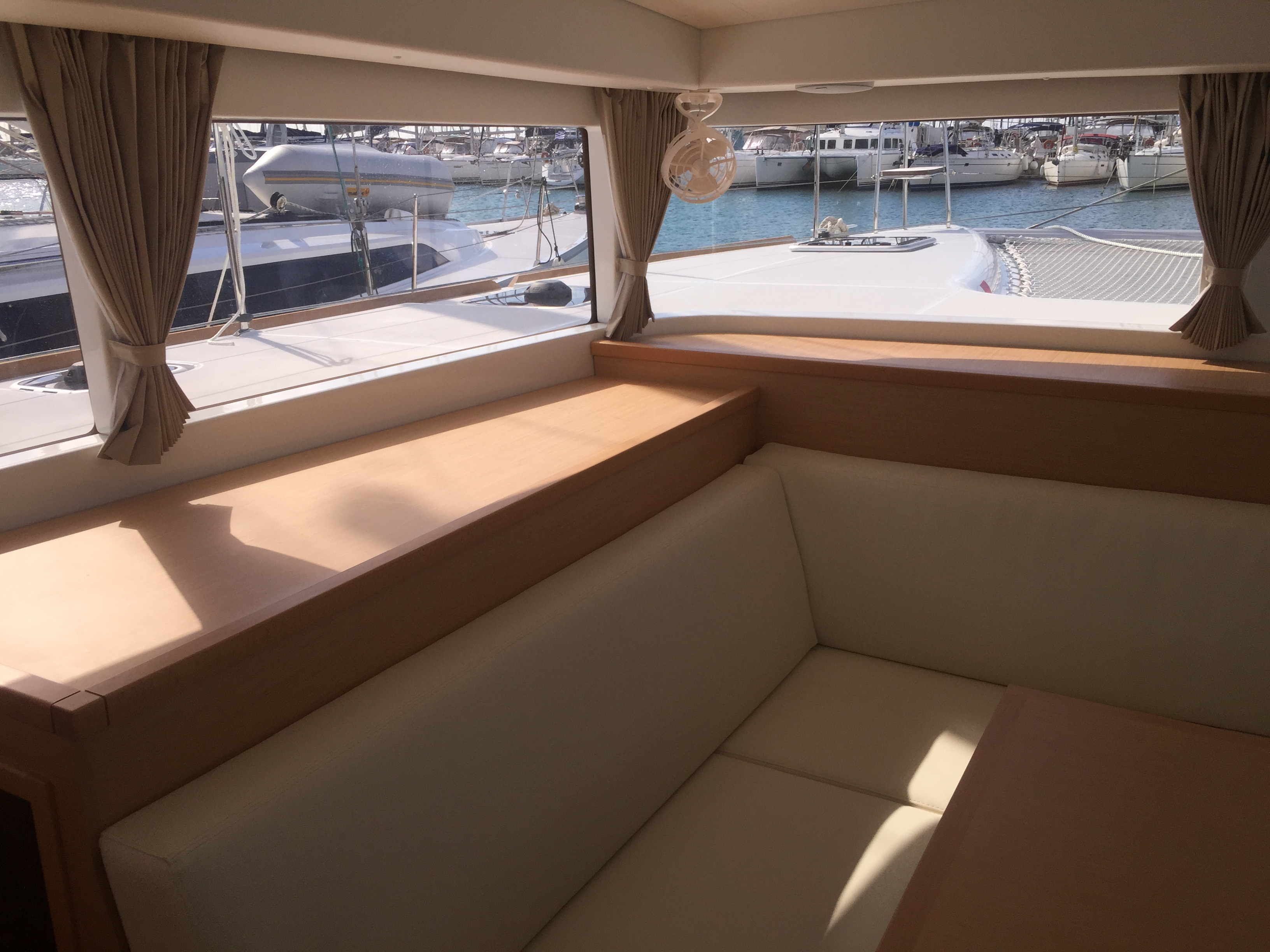 Lagoon 400 S2 - 4 + 2 cab. (IRIS (skippered only))  - 4
