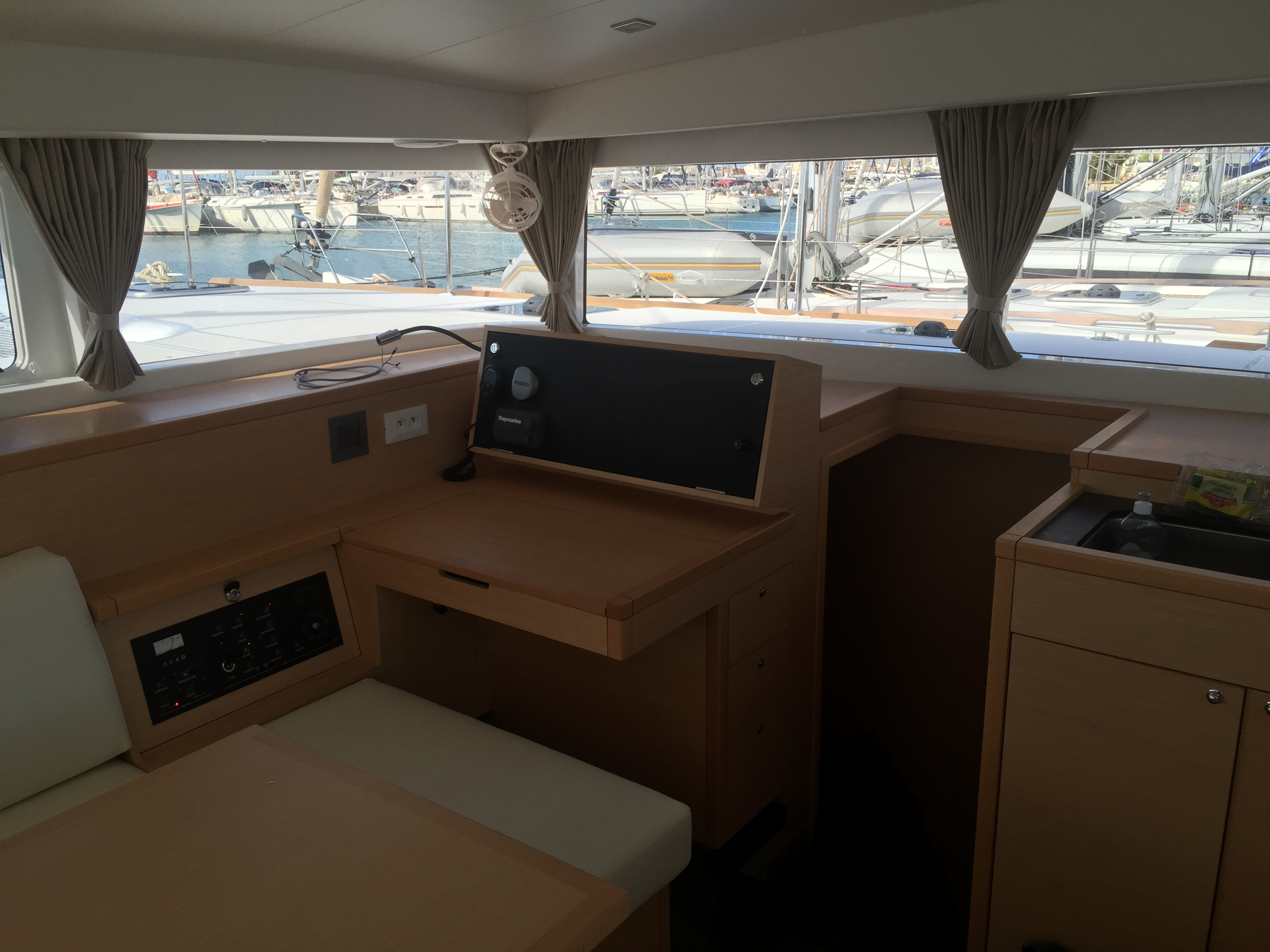 Lagoon 400 S2 - 4 + 2 cab. (IRIS (skippered only))  - 5