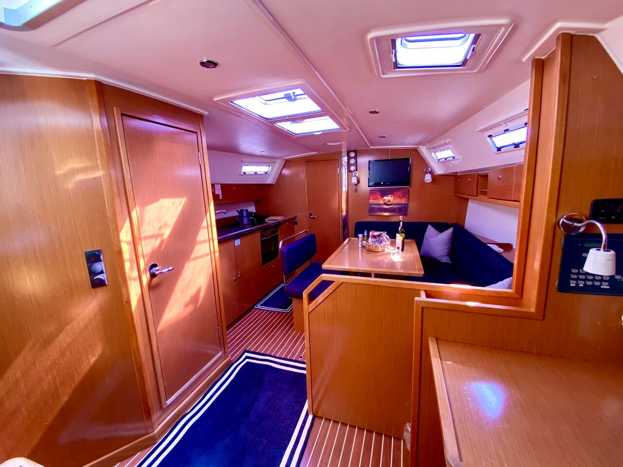 Bavaria Cruiser 40 (Priceless)  - 15