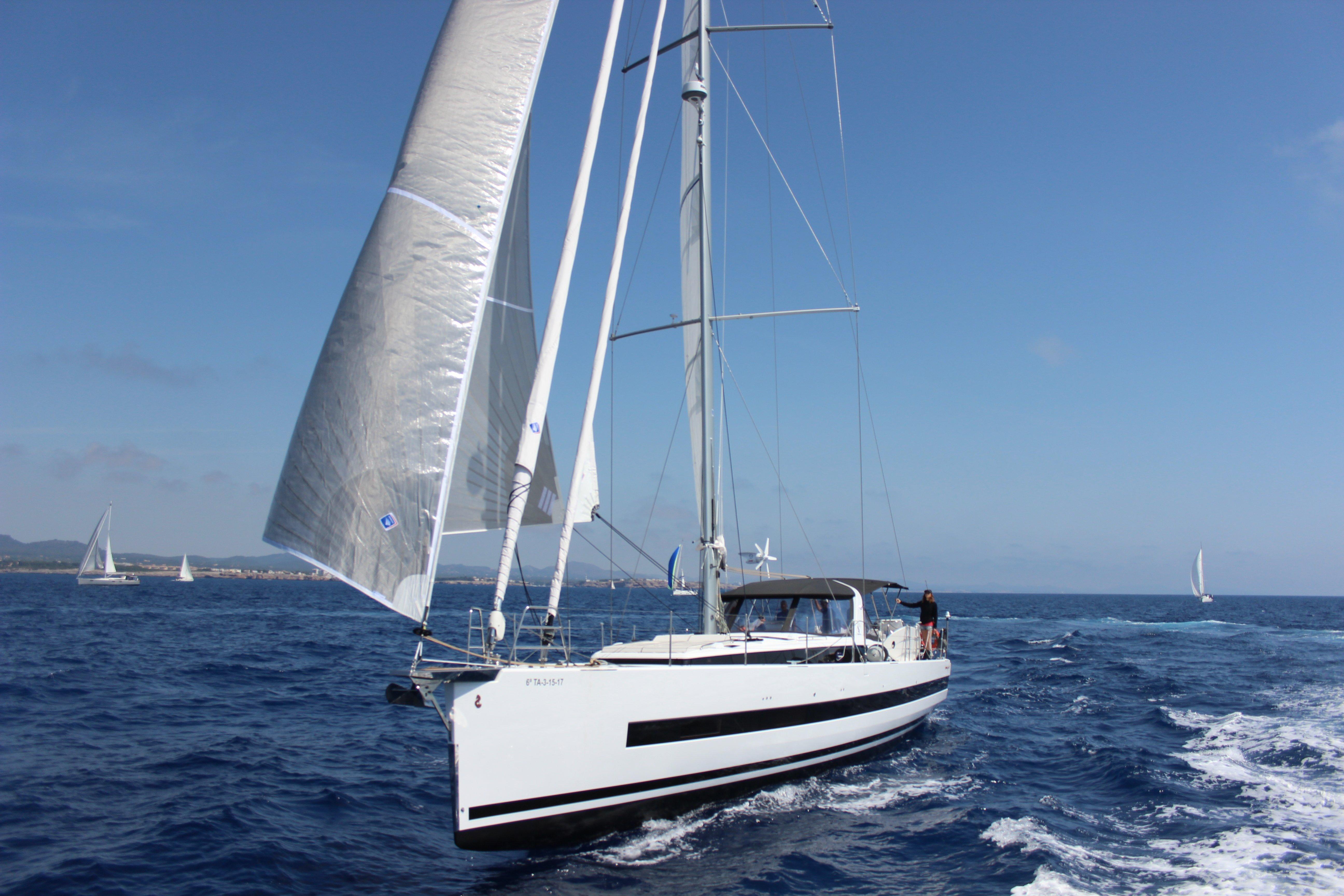 Oceanis Yacht 62 - 3 + 1 (Hippo - CREWED*)  - 2