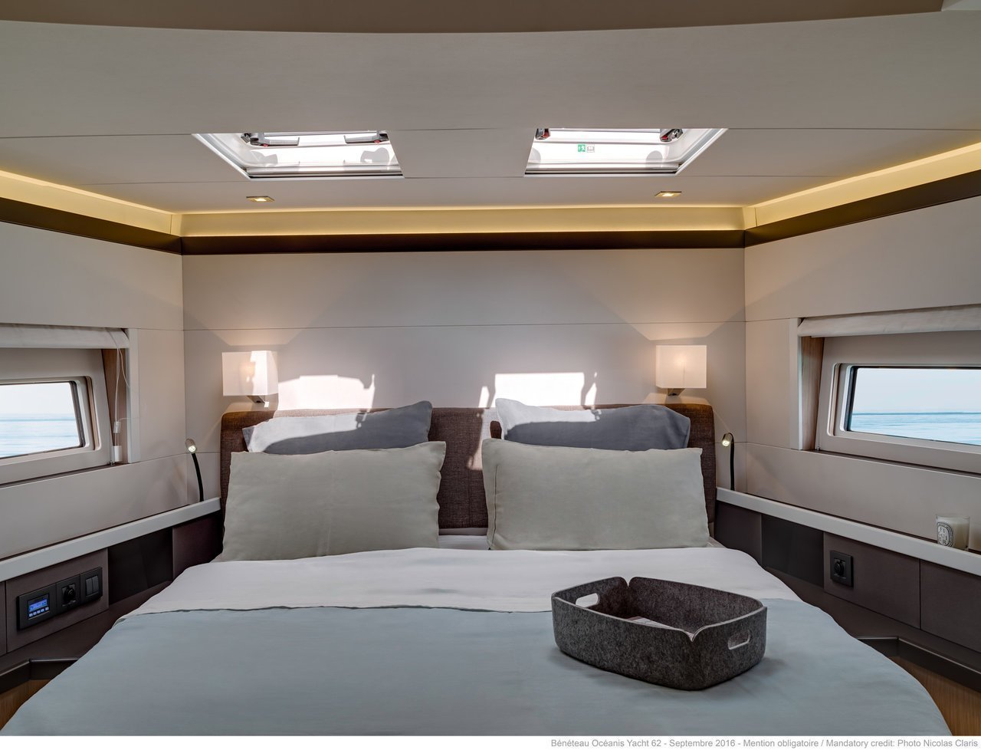Oceanis Yacht 62 - 3 + 1 (Hippo - CREWED*)  - 8