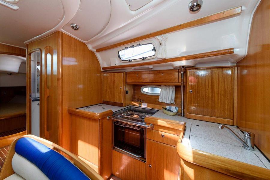 Bavaria 42 Cruiser (Blue Queen)  - 5
