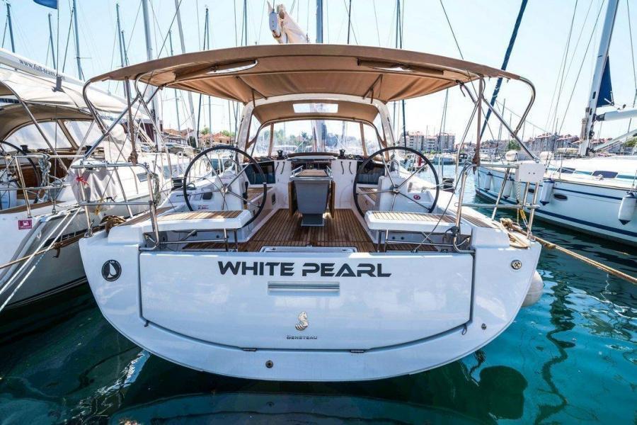 Oceanis 41.1 (White Pearl)  - 5