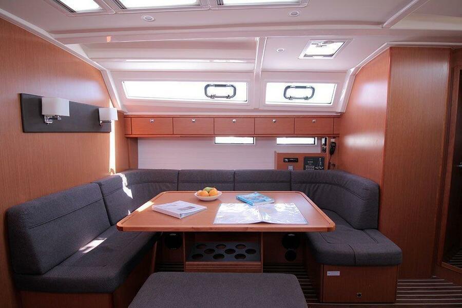 Bavaria Cruiser 46 - 4 cab. (Casino Royale)  - 5