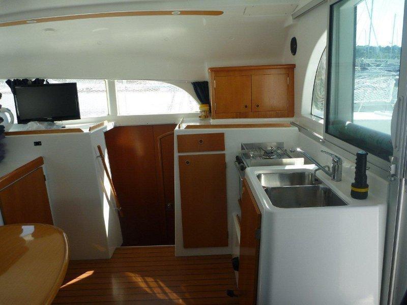 Lagoon 380 - 4 + 2 cab. (Twin Star)  - 8
