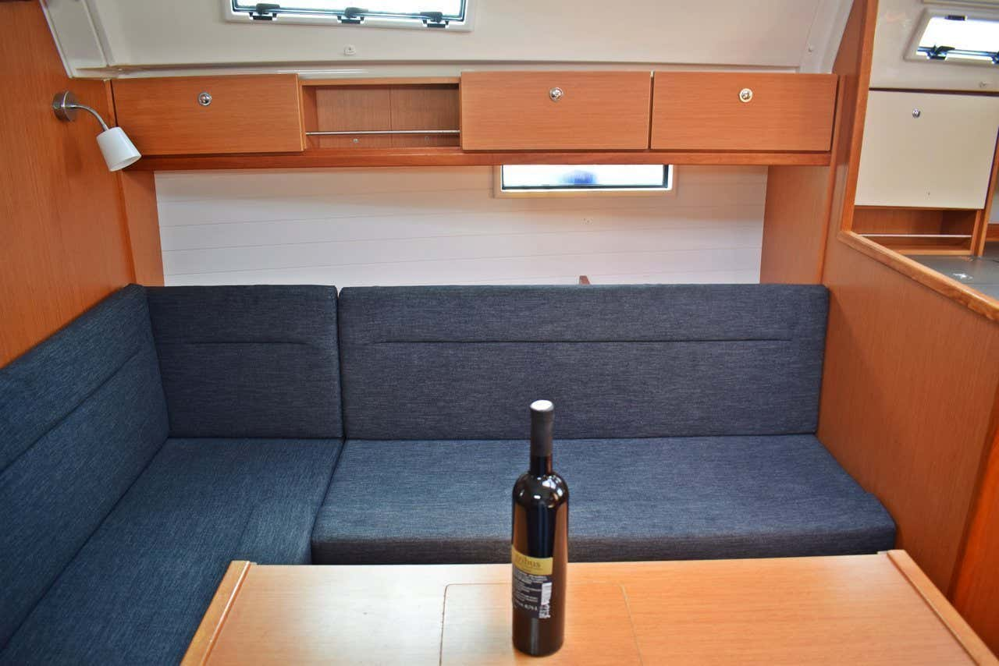 Bavaria Cruiser 36 (Pišćena)  - 8