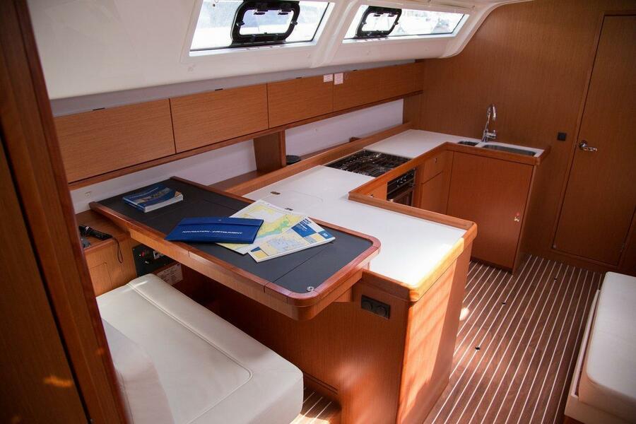Bavaria Cruiser 51 (Cala Zafferano)  - 10