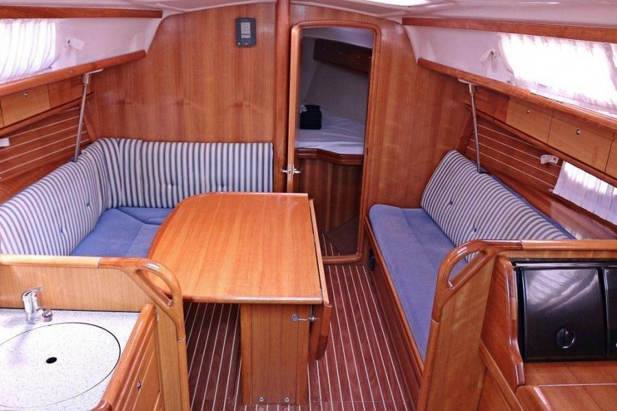 Bavaria 33 Cruiser (Mara)  - 4