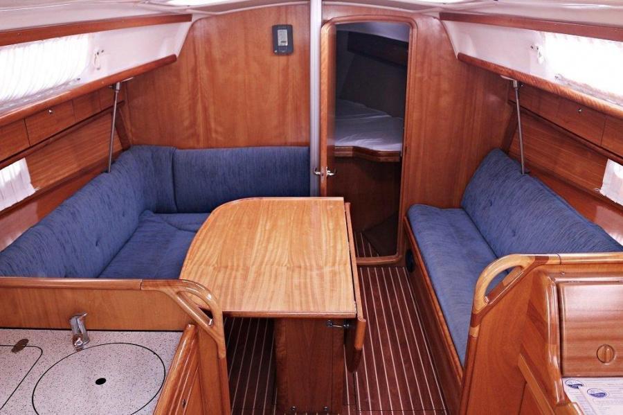 Bavaria 33 Cruiser (Frana)  - 4