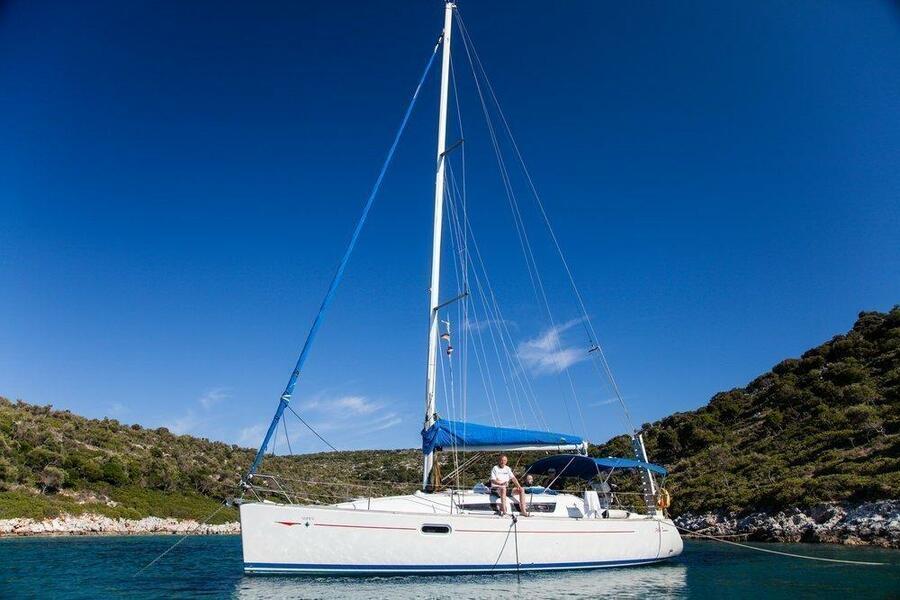 Sun Odyssey 36i (Izella)  - 3