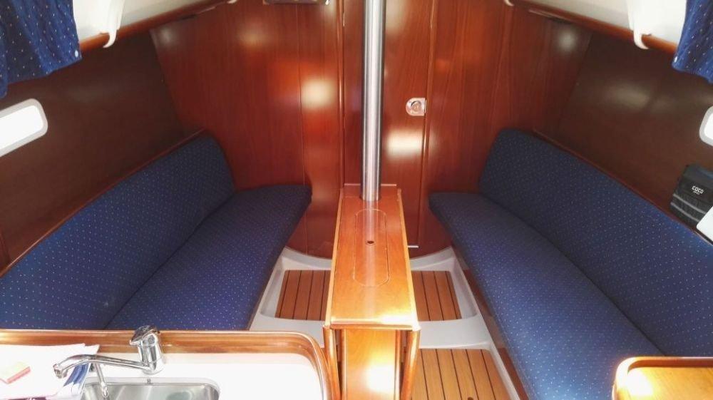 Oceanis Clipper 323 (Mala Maja)  - 4