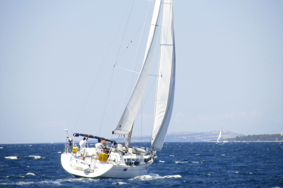 Sun Odyssey 42i (Nikita II)  - 10