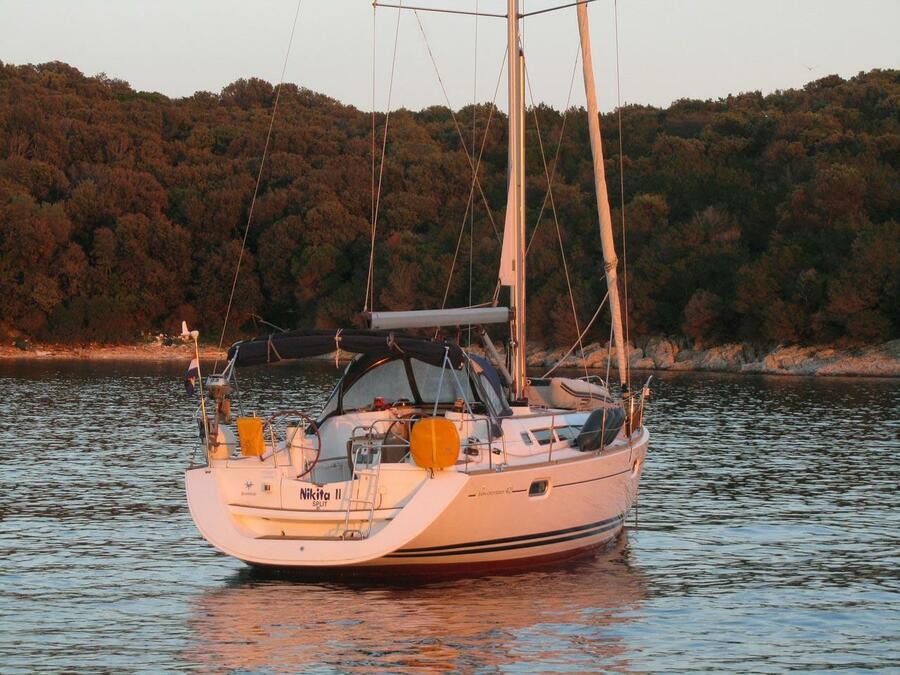 Sun Odyssey 42i (Nikita II)  - 11