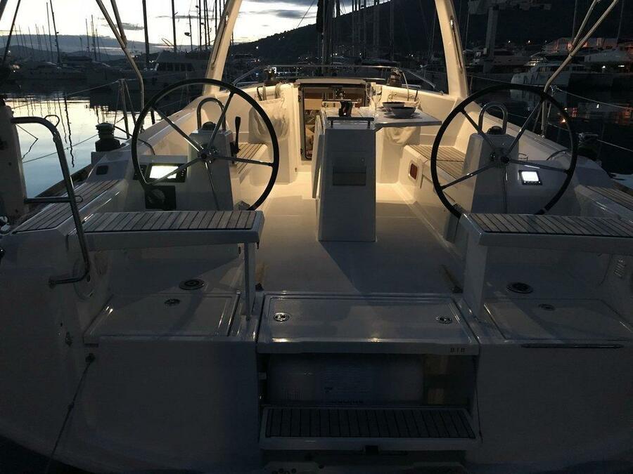 Oceanis 38.1 (Baby Dory- A/C (sh power), underwater lights, blue hull)  - 3
