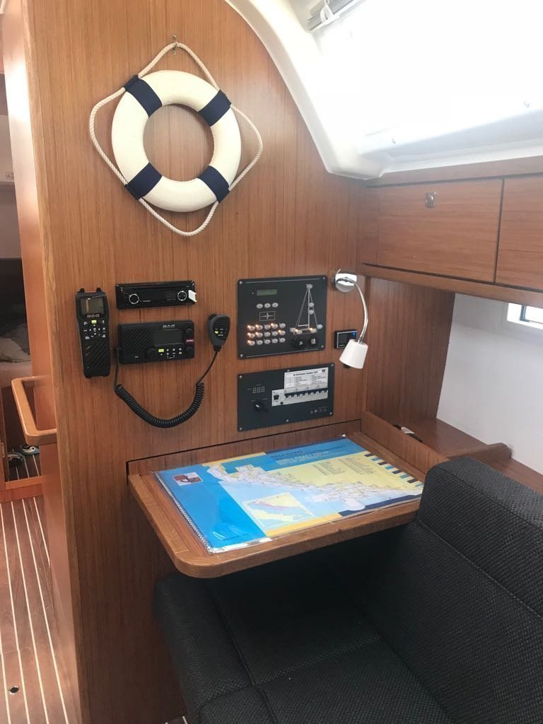 Bavaria Cruiser 37 - 3 cab. (Baby Panda- A/C (sh power), underwater lights)  - 14