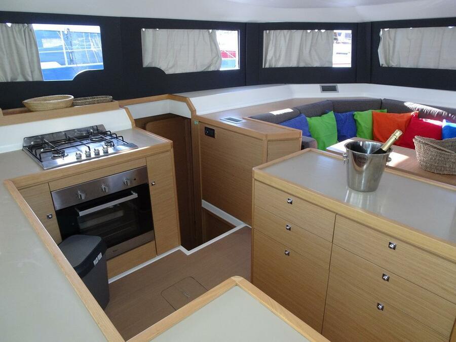 Dufour 48 Catamaran - 4 + 2 cab. (SHU - BLUE HULL, A/C+GEN., UNDERWATER LIGHTS)  - 18