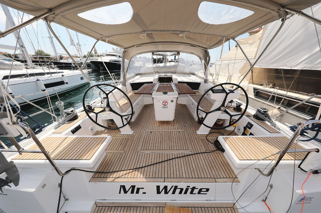 """Oceanis 46.1 (""""Mr.White"""" with A/C and generator)  - 3"""